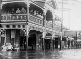 Floods_no_25_Keen_street_looking_south.1921-gallery9464_May4093134.jpg image